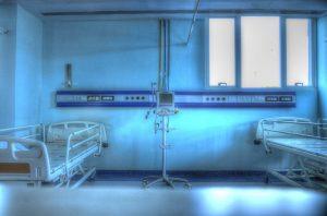 Morto in ospedale a Napoli